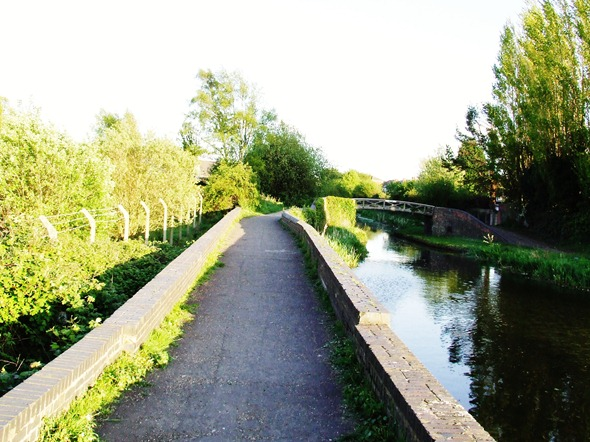 MONDAY CANAL 039