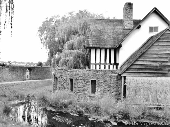 The Manor House B&W