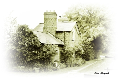 lock-keepers cottage creative edit